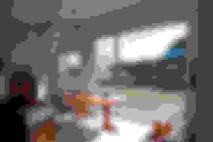 Living room by AAPA건축사사무소