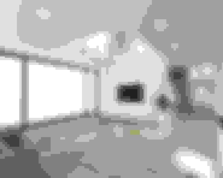 강원도 홍천읍 전원주택 거실: 디자인 이업의  거실