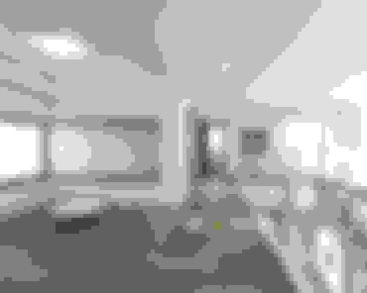 강원도 홍천읍 전원주택 2층복도: 디자인 이업의  복도 & 현관