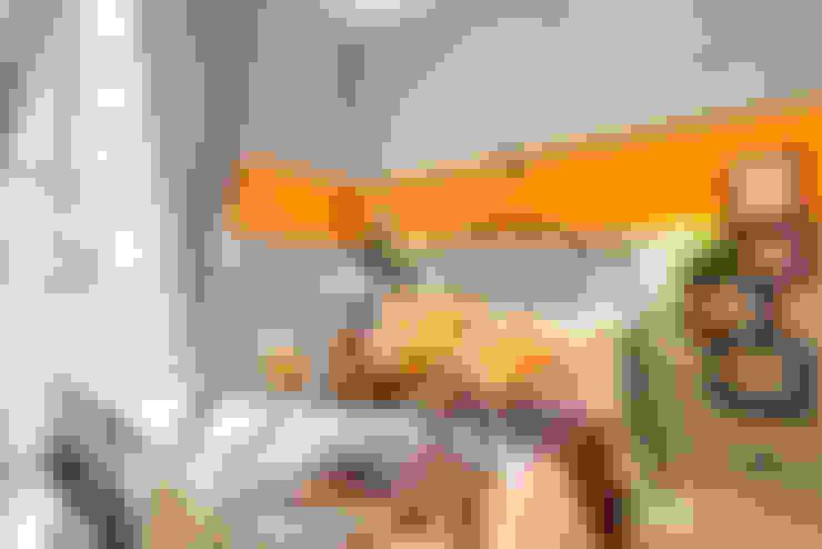 Спальня by Creattiva Home ReDesigner  - Consulente d'immagine immobiliare