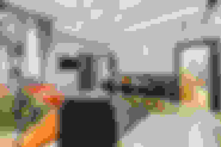 Comedores de estilo  por Creattiva Home ReDesigner  - Consulente d'immagine immobiliare