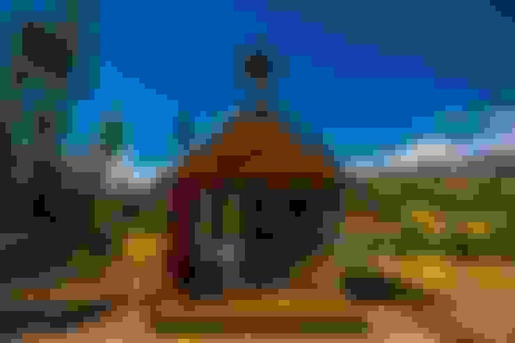 Refugio Toibita: Casas ecológicas de estilo  por Camacho Estudio de Arquitectura