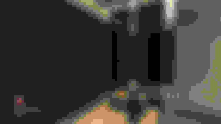 :  غرفة الملابس تنفيذ ICONIC DESIGN STUDIO