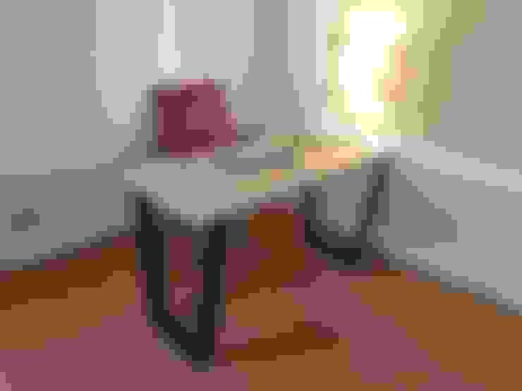 Escritorio Trapecio: Oficinas y tiendas de estilo  por SIMPLEMENTE AMBIENTE mobiliarios hogar y oficinas santiago