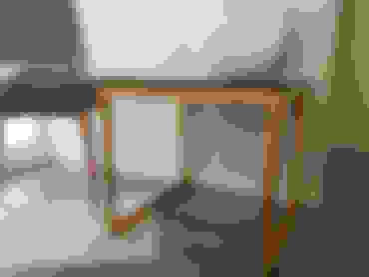 FANTASY: Salas de estilo  por SIMPLEMENTE AMBIENTE mobiliarios hogar y oficinas santiago