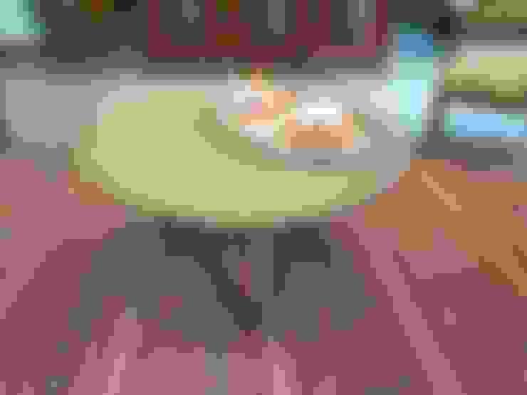 Infanta: Salas de estilo  por SIMPLEMENTE AMBIENTE mobiliarios hogar y oficinas santiago
