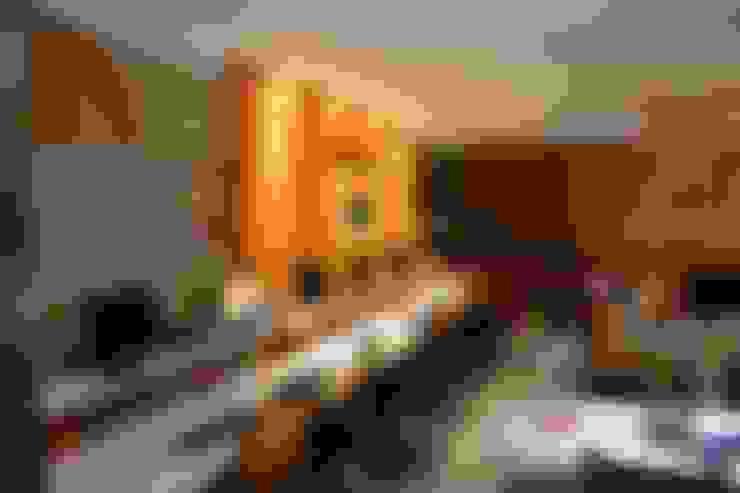 Iluminação do escritório: Espaços comerciais  por 5CINQUE ARQUITETURA LTDA
