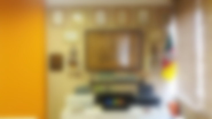 Decoração de escritório com quadros: Espaços comerciais  por 5CINQUE ARQUITETURA LTDA