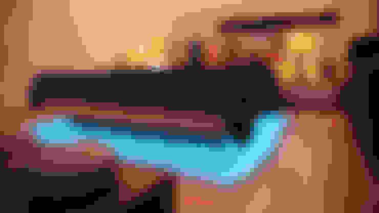 Recámaras de estilo  por Urobo Home Automation