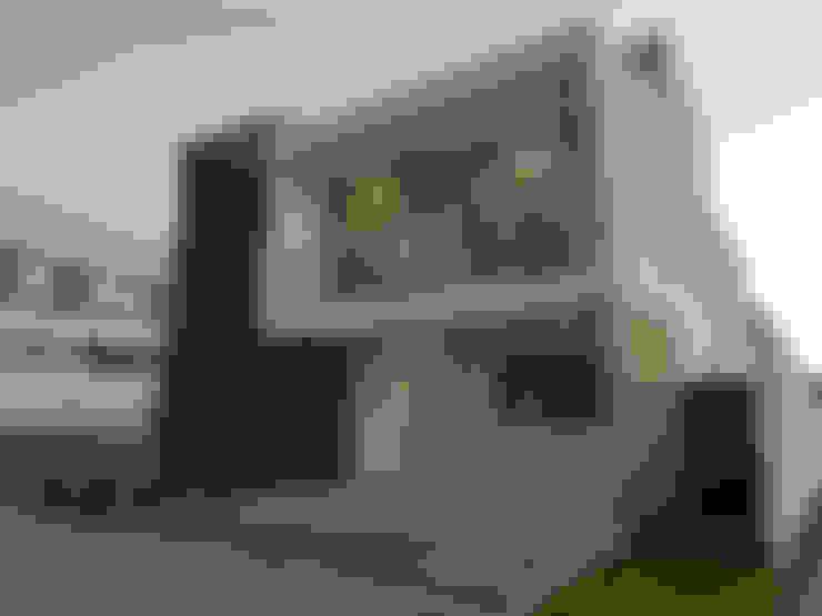 Fachada Frontal Atardecer: Casas unifamiliares de estilo  por AFG Construcción y Diseño