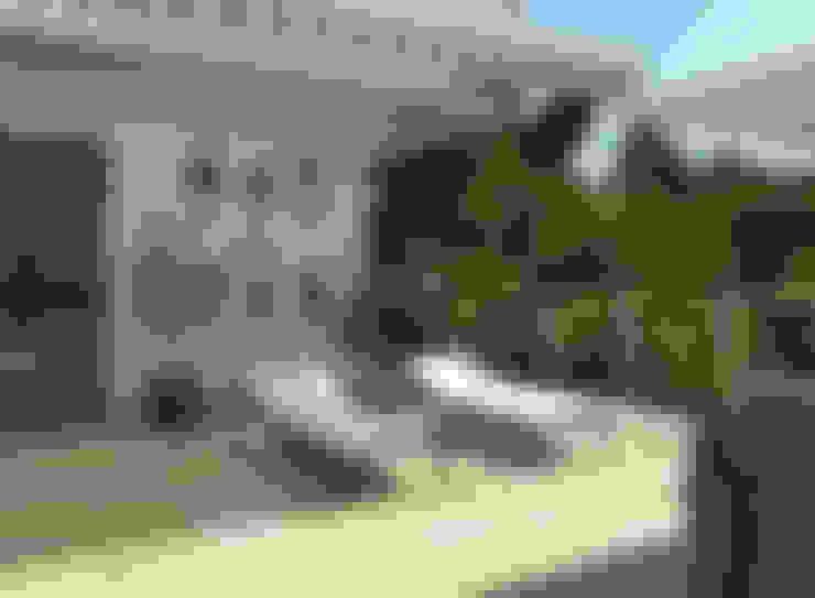 Terraza moderna:  de estilo  de Glancing EYE - Asesoramiento y decoración en diseños 3D