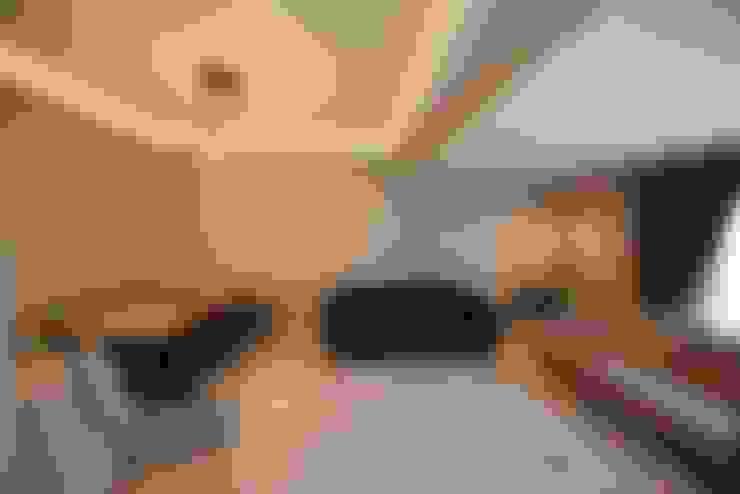 Orby İnşaat Mimarlık – Locaefes Projesi, C Tipi daire salonu:  tarz Oturma Odası