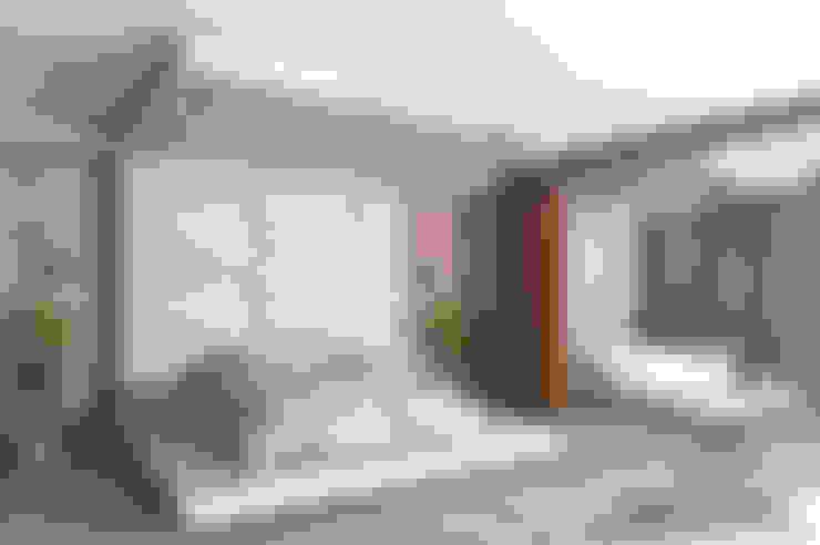 SKY İç Mimarlık & Mimarlık Tasarım Stüdyosu – Yatak Odası:  tarz Küçük Yatak Odası