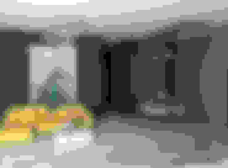 SKY İç Mimarlık & Mimarlık Tasarım Stüdyosu – Salon Tasarımı:  tarz Oturma Odası