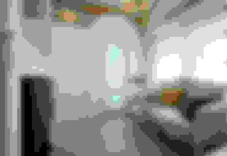 仰望-七坪 三房一廳一衛 古典唯美居家:  客廳 by 酒窩設計 Dimple Interior Design