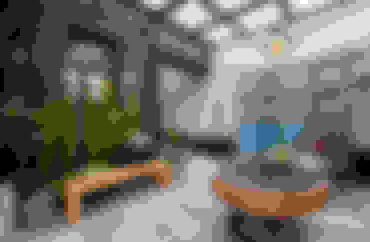 玻璃屋內部地板使用花樣多變的地磚,搭配復古屏風與木製家具還有鐵件裝飾:  室內景觀 by 大地工房景觀公司