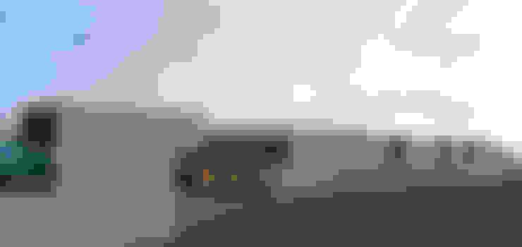 Casa passiva in stile  di Limit Studio