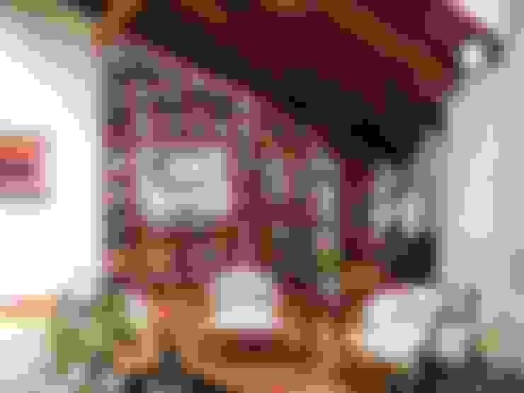 Sala G: Salas / recibidores de estilo  por DOGMA Architecture