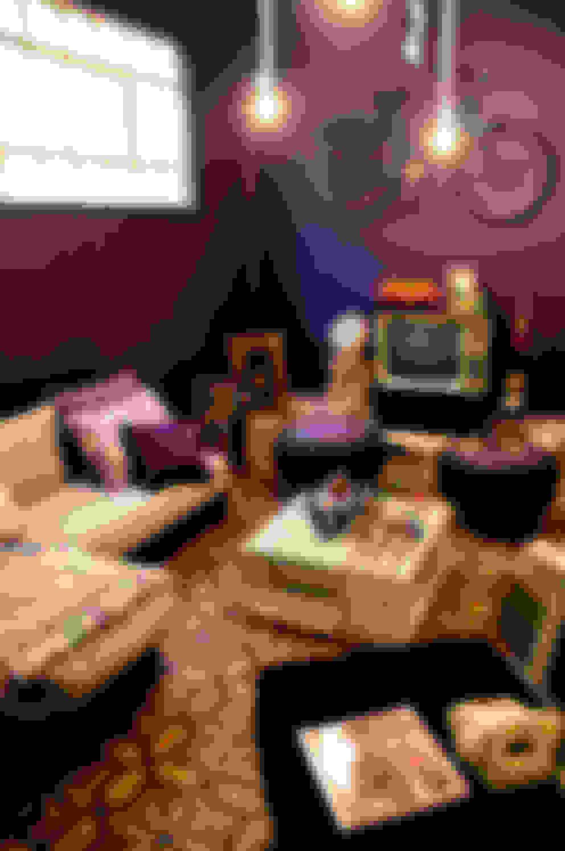 Livings de estilo  por amiko espacios