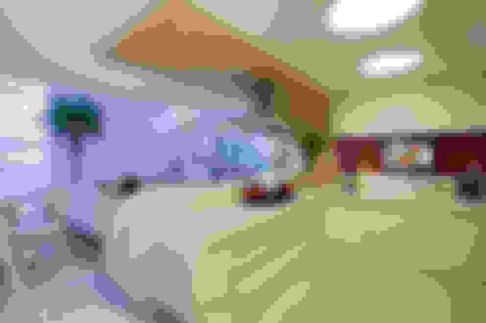 Retrofit Casa Swiss Park Campinas: Cozinhas  por Designer de Interiores e Paisagista Iara Kílaris