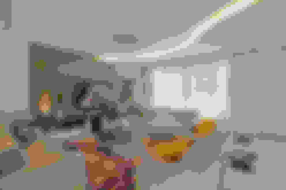 Casa Swiss Park Campinas II: Salas de estar  por Designer de Interiores e Paisagista Iara Kílaris