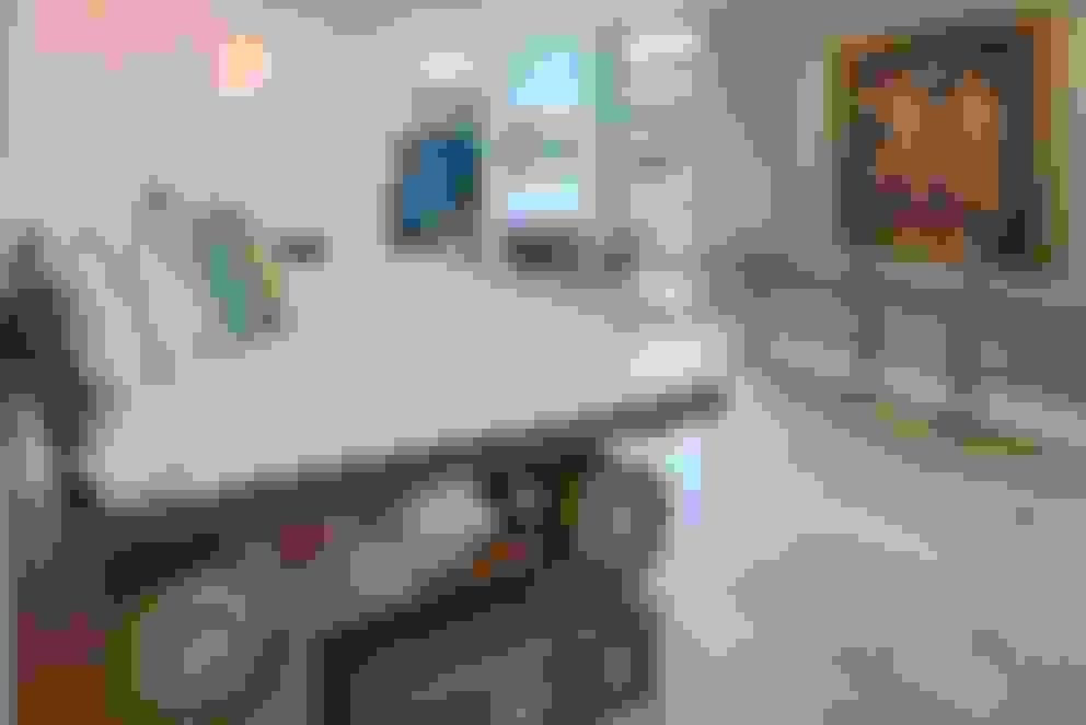 Dormitorios de estilo  por Specht Architects