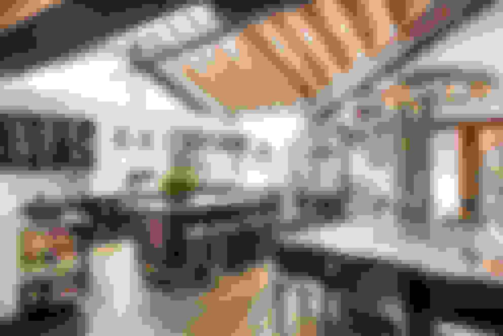 Salle à manger de style  par Antonio Martins Interior Design Inc