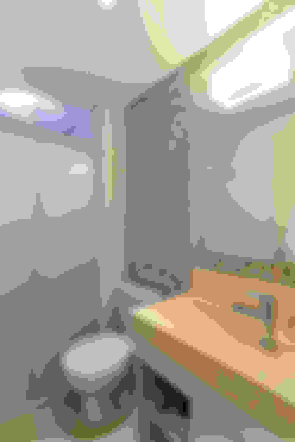 Projeto Bairro do Juventus - Mooca: Banheiros  por RAFAEL SARDINHA ARQUITETURA E INTERIORES