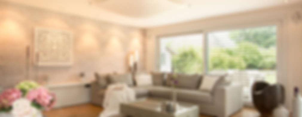 Livings de estilo moderno por Luna Homestaging