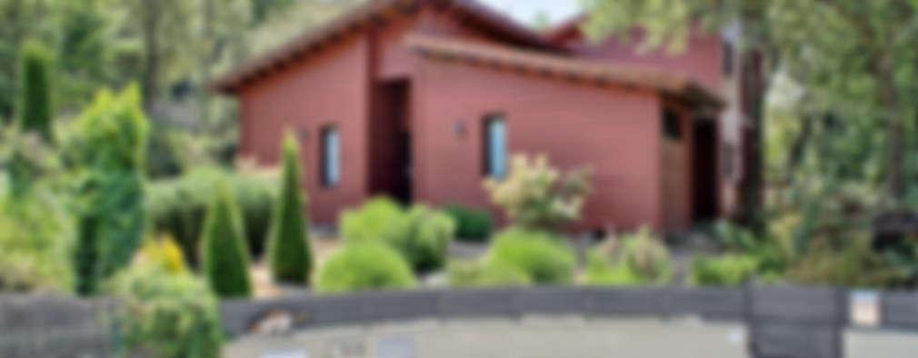 modern Houses by HOUSE HABITAT