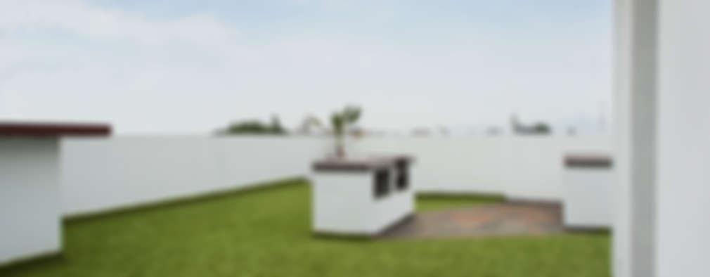Roof Garden con asador: Casas de estilo moderno por RECON Arquitectura