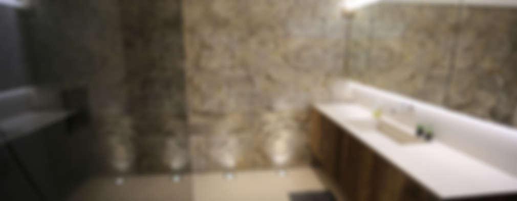 Baños de estilo moderno por altholz, Baumgartner & Co GmbH