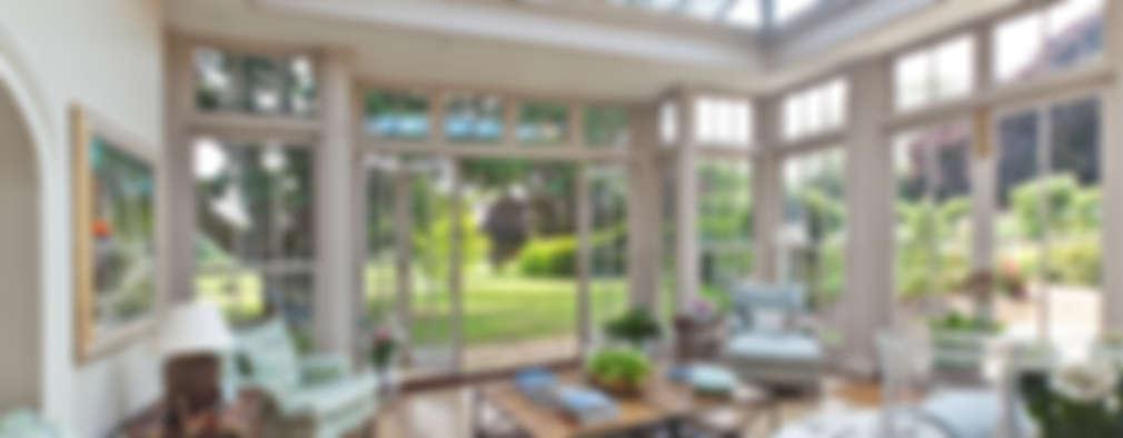 Giardino d'inverno in stile in stile Classico di Vale Garden Houses