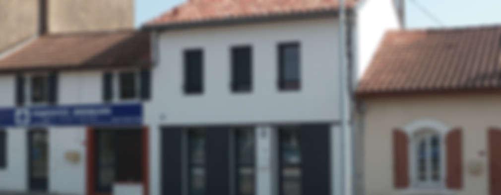 Casas de estilo moderno por EURL Cyril DULAU architecte