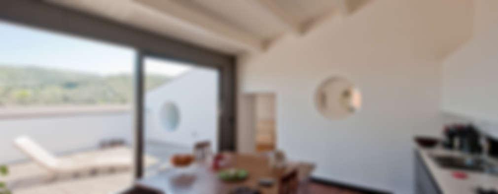 Cocinas de estilo moderno por Officina29_ARCHITETTI