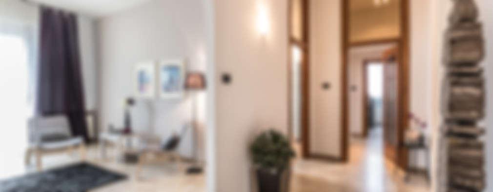 L'ingresso:  in stile  di FOSCA de LUCA Home Stager & Redesigner
