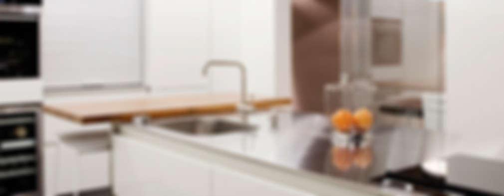 Cocinas de estilo minimalista por Sube Susaeta Interiorismo