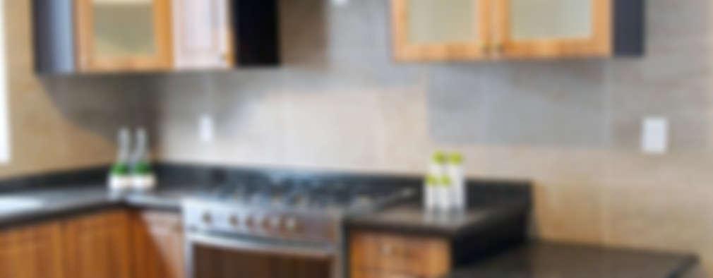 Mesadas de mármol y granito negro: Cocinas absolutamente elegantes
