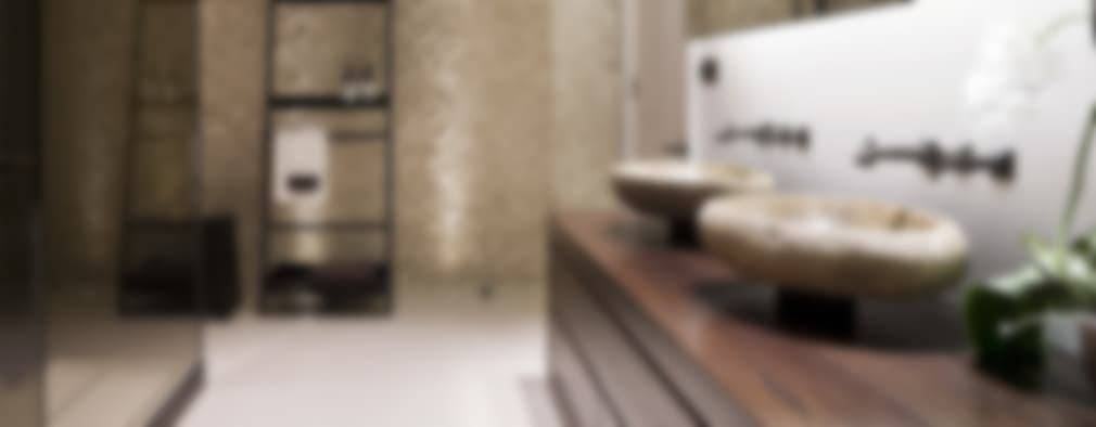 Baños de estilo moderno por Alessandro Isola Ltd