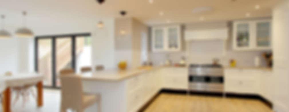 Cocinas de estilo moderno por C7 architects