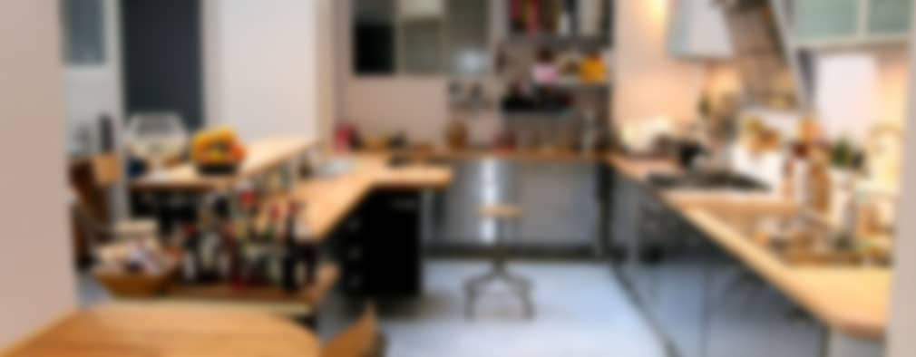 Cocinas de estilo industrial por Cabinet Dario