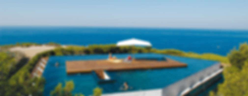 finest une le sur le toit piscines dbordement de style par moa with piscine hors sol sur toit. Black Bedroom Furniture Sets. Home Design Ideas
