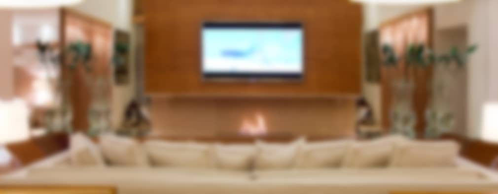 tropical Living room by Tweedie+Pasquali