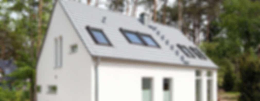 Maisons de style de style Minimaliste par Müllers Büro