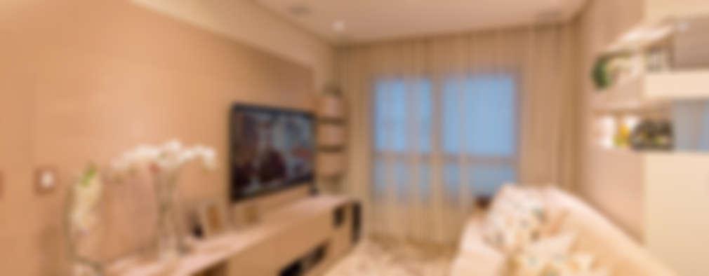 Salas multimedia de estilo clásico por Dauster Arquitetura