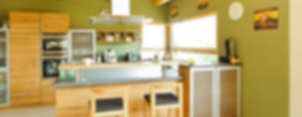 country Kitchen by Achtergarde + Welzel Architektur + Interior Design