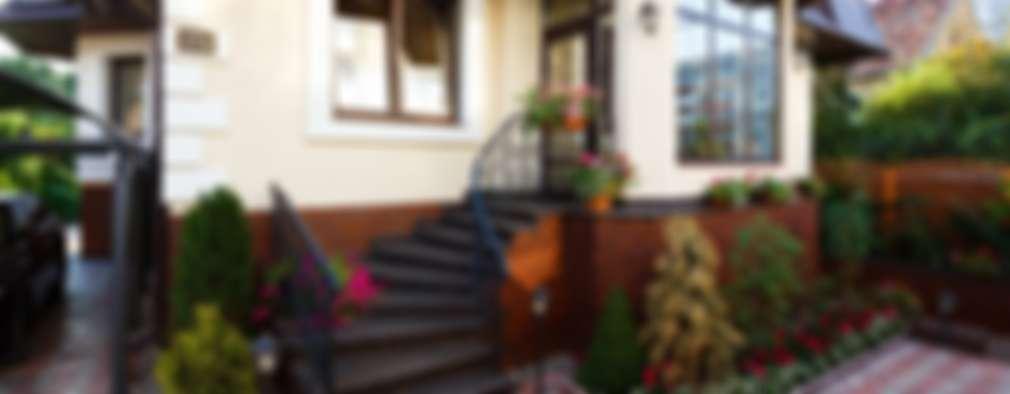 Casas de estilo clásico por AGRAFFE design