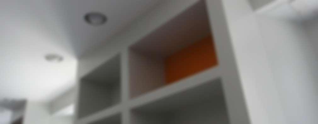 Estudios y oficinas de estilo moderno por studionove architettura