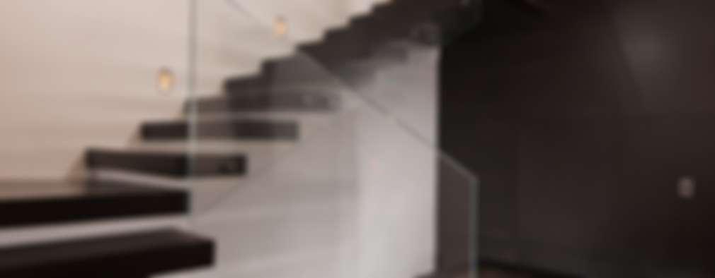 Corridor, hallway by GLR Arquitectos