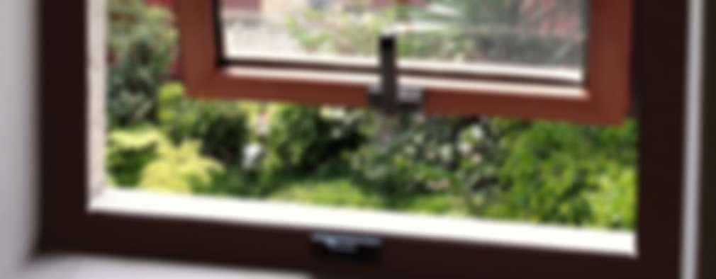 Ventana de Proyección : Ventanas de estilo  por Productos Cristalum